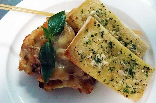 Baked-macaroni-pasta-with-minced-beef-filling-&-garlic-basil