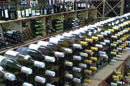 04-CWC-wine-on-racks